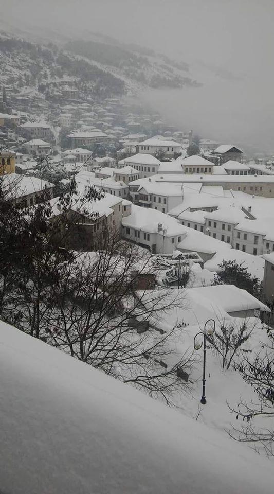 Gjirokastra në një ditë me borë