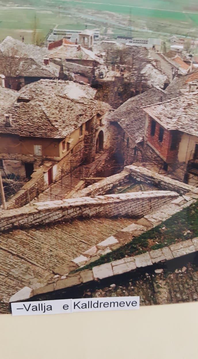 Pse në ndarjen e plaçkave ne shtëpitë e mëdha të Gjirokastrës kerkohej dora e një fëmije?!