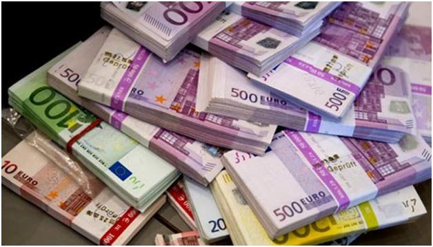 Sot, kembimi i euros, dollarit dhe monedhave te tjera ne tregun valutore