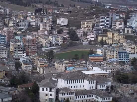 Klubi i futbollit i Gjirokastrës me disa emra dhe nje foto e rallë