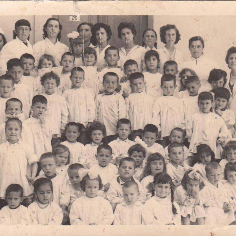 Kujtime të bukura nga jeta në kopshtin e femijëve të Pazarit të Gjirokastrës ku drejtoreshë ishte Shpresa Kozma