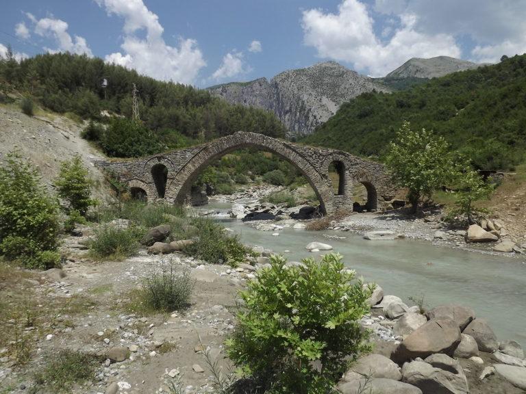 Kujtesë/ Krijimi i Komitetit të Parë Shqiptar të Skraparit-Ja emrat e patriotëve gjirokastritë që punuan për ngritjen e tij