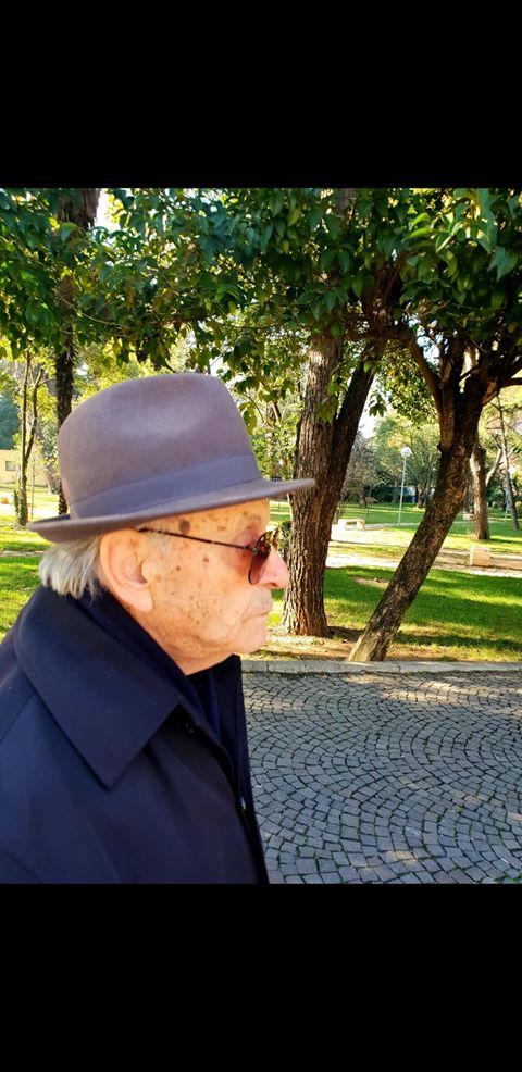 Shkrimtari gjirokastrit 91 vjeçar Jonuz Karaulli poezi malli për Gjirokastrën