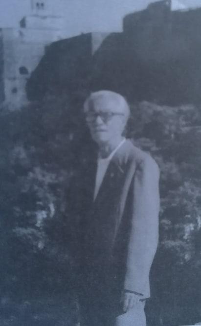 Kujtesë/Resul Malile nga lagjja Hazmurat që ka drejtuar ndërmarrjen e artizanatit në Gjirokastër
