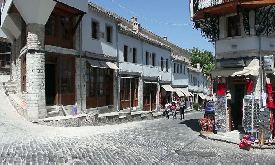 A do të ketë së shpejti zbarkim turistësh në Gjirokaster?