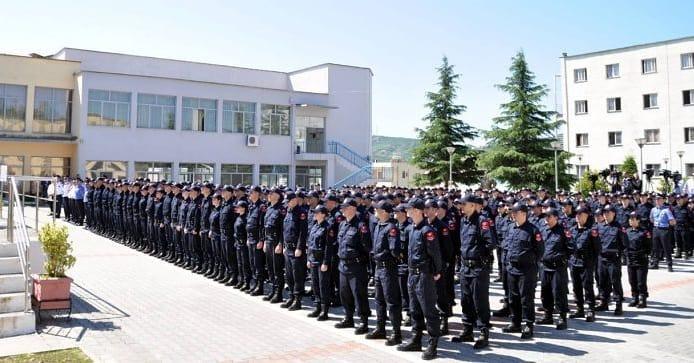 300 vende të reja në Polici,ja kriteret