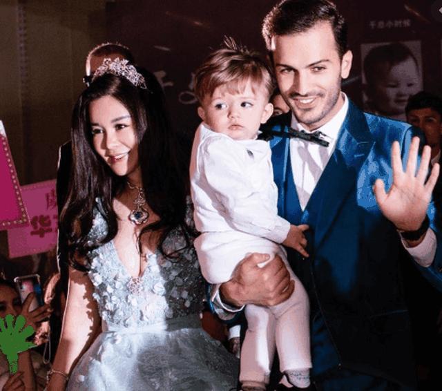 Ronaldo Lekaj modeli shqiptar nga Lezha,martuar me nje vajze miliardere kineze qe zoti ju ka dhene nje djale te mrekullueshem