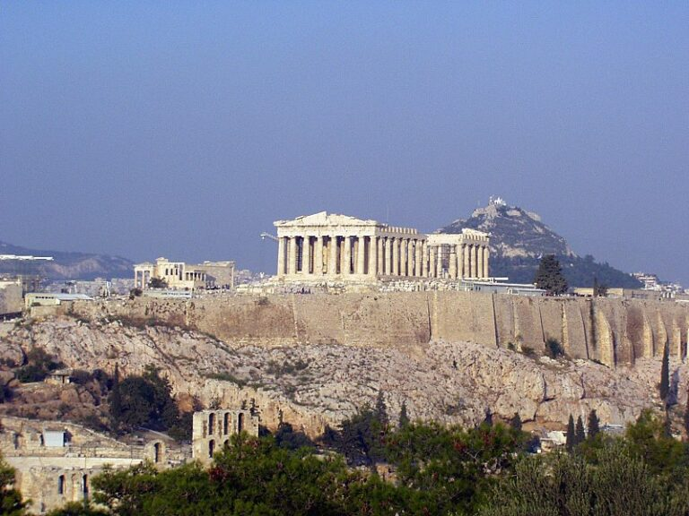 Greqi, vendimi i ri i ministrisë së emigracionit, shtyhen lejet e qëndrimit që skadojnë nga 20 korriku...