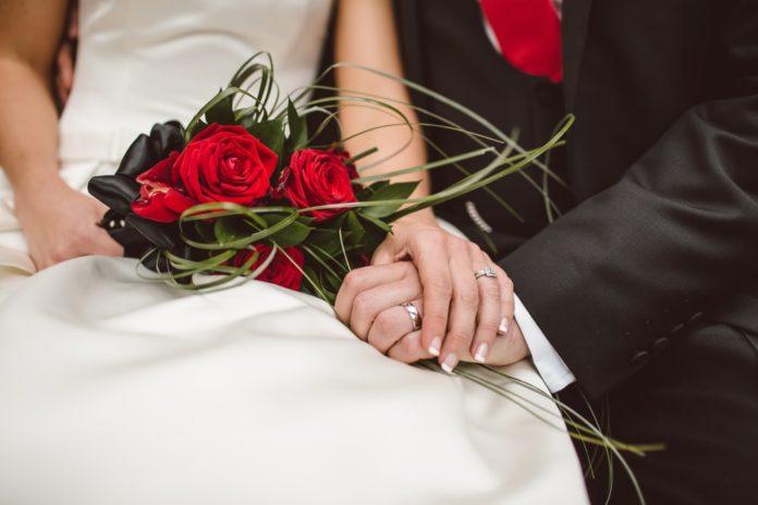 Dhëndri humbet jetën, 95 të ftuarit në dasmën e tij infektohen me coronavirus