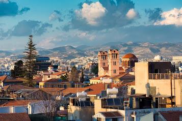 Qipro u ndalon hyrjen shqiptarëve