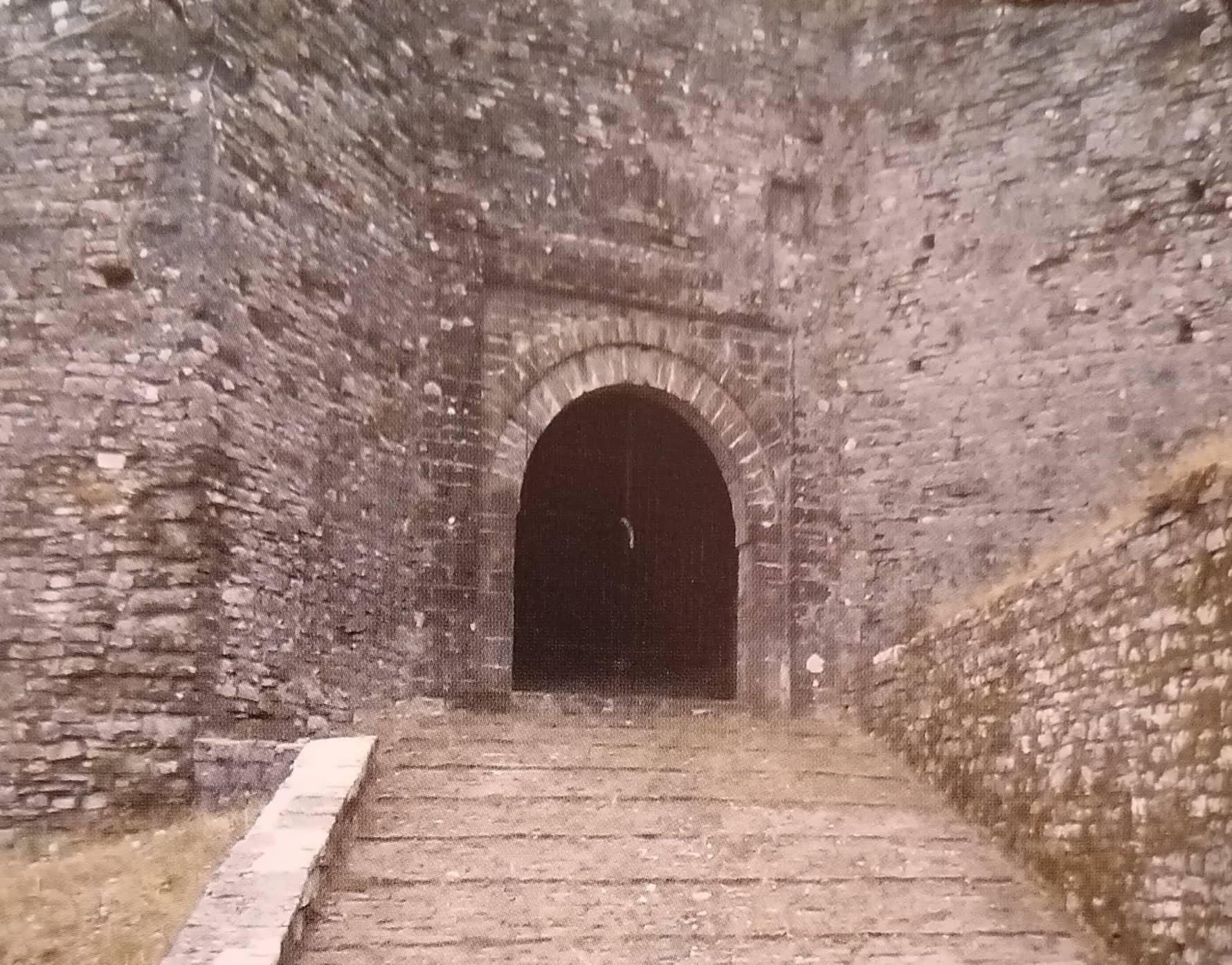 Tek Porta e Kalasë…