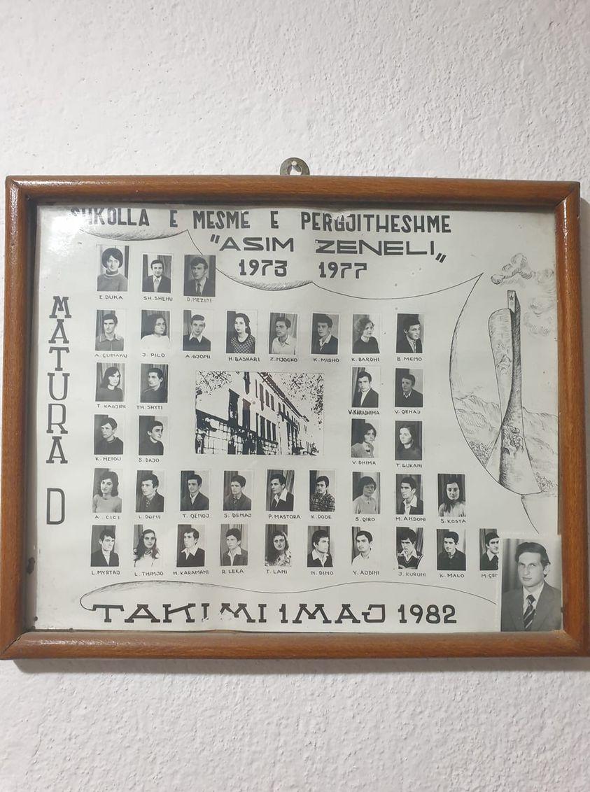 Kujtese/ Foto e ralle, Matura D 1977 e gjimnazit Asim Zeneli e Gjirokastres