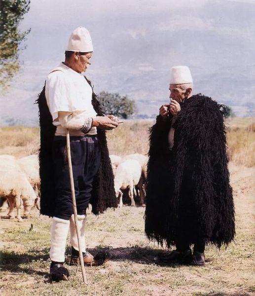 Nderim dhe respekt per baxhoxhinjte e Gjirokastres