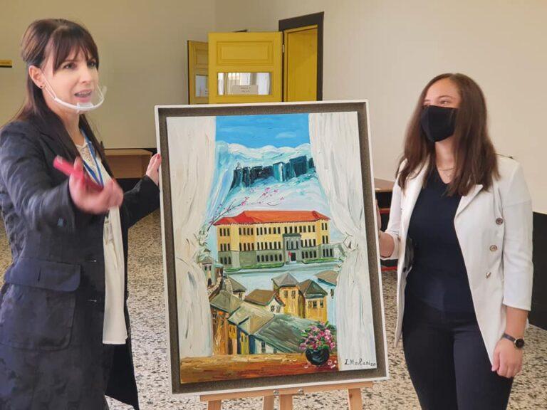 Urime piktores se talentuar Livia Mevlani nga Gjirokastra