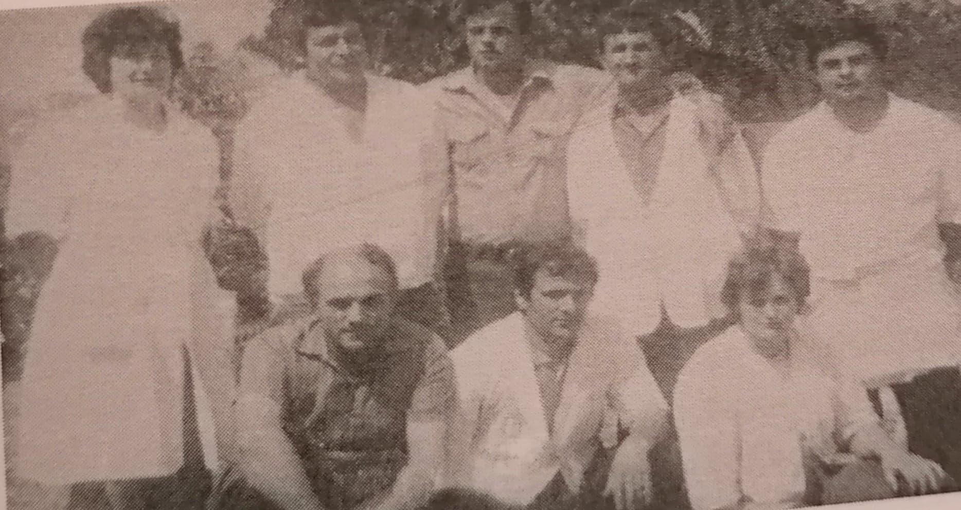 Ne foto,baxhoxhinjte Asqeri Buci dhe Qani Birbili, po te tjeret cilet jane?