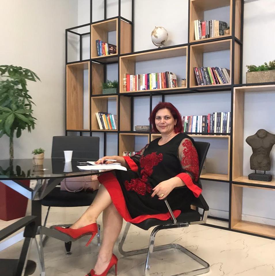 Elvira Lani sonte ne mbremje, ora 21.00, e ftuar ne emisionin Integrime Shqiptare ne Radio Tirana 3