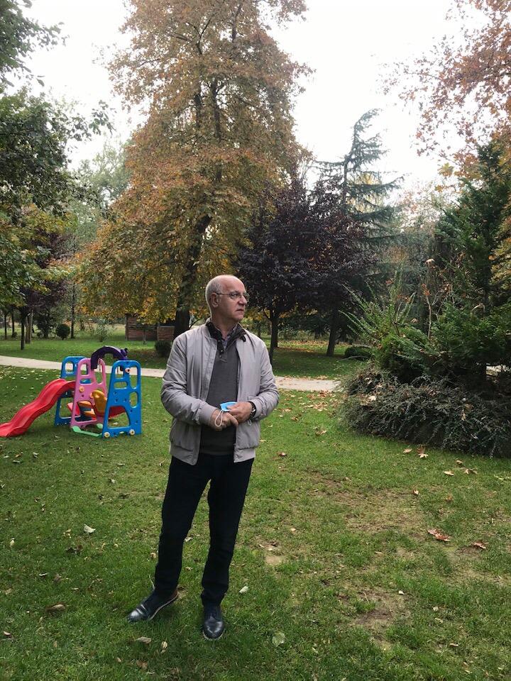 Nga Driloni pamje te vjeshtes ne largim ne aparatin e doktorit te njohur gjirokastrit Murat Kaçit