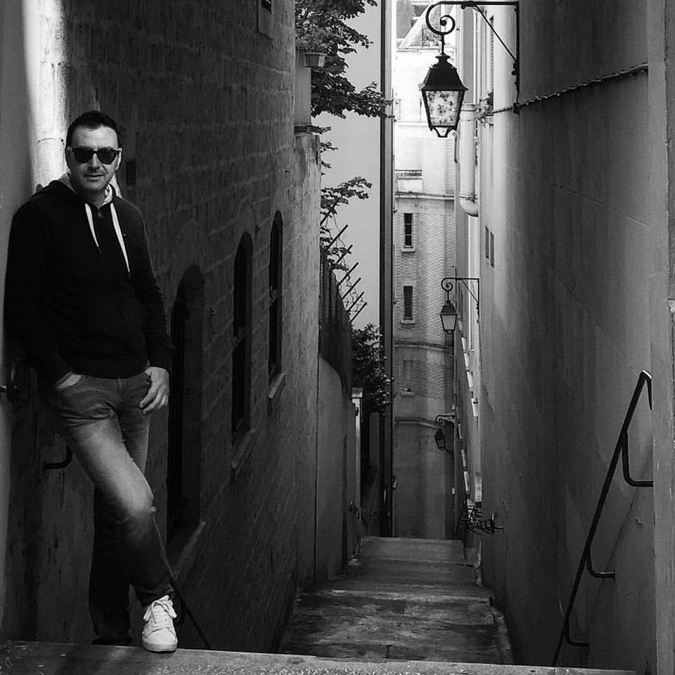 Urojmë për Ditëlindjen këngëtarin dhe kompozitorin e njohur shqiptar Pirro Çako