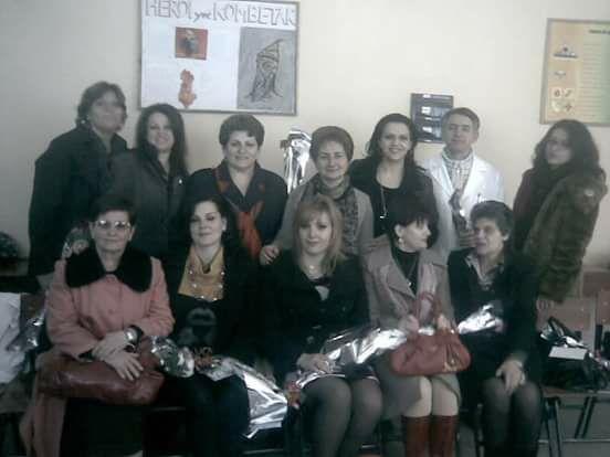 Ne foto, mesuese gjirokastrite krenari e arsimit shqiptar