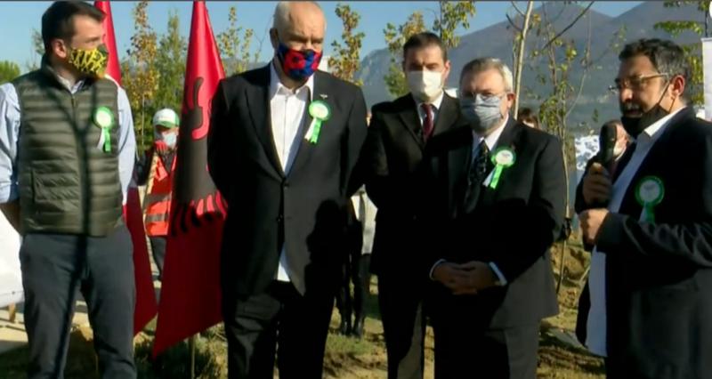 """Kryeministri Rama: """"Faleminderit për këtë nisëm, dhe praninë e ambasadorit. Një mik i mirë për shqiptarët, siç është dhe presidenti Erdogan."""""""