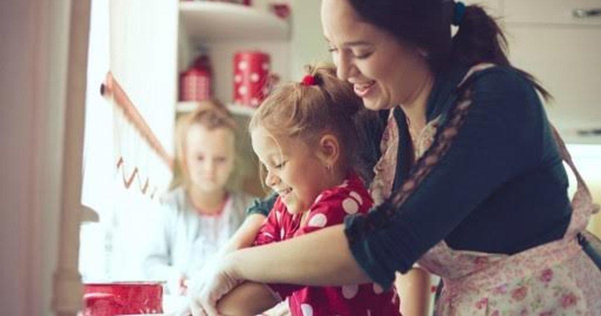 """Gjyshe dhe nena, tani qe holloni, kthehuni ne femijeri, bejeni kete """"loje"""" me vogelushet !"""