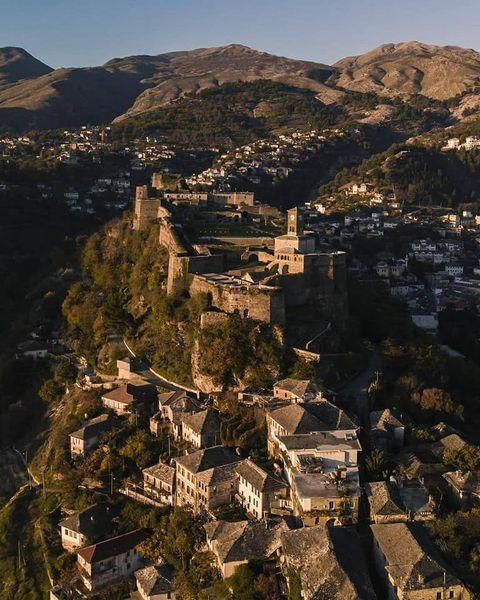Sot kanë Ditën e Emrit edhe Nikot e lagjes Pazar i Vjetër në Gjirokastër