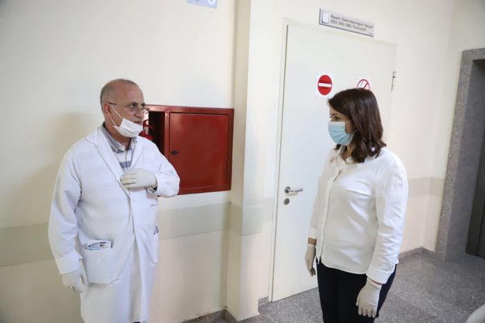 Qeveria shqiptare ka marrë përsipër ta mbështesë financiarisht kurimin e doktor Drinit, deri në shërimin e tij të plotë. Forca Doktor Drini!