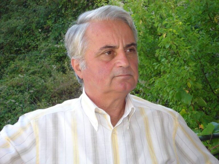 Eshte ndare nga jeta mjeku i njohur gjirokastrit, Frederik Kekezi, banor i vjeter i lagjes Varrosh!