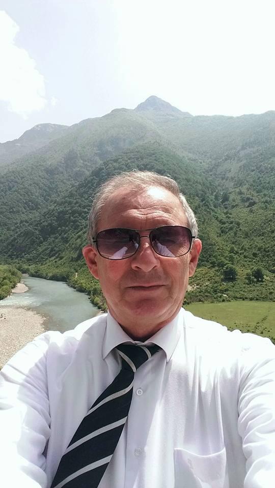 Në Gjirokastër, sa doli në pension, covid 19 i merr jetën mësuesit të pedagogjikes, poetit Dhimiter Jani Kokaveshi