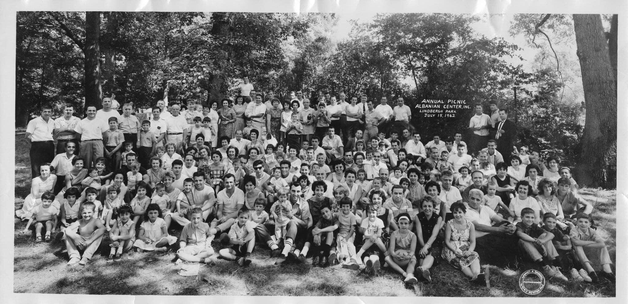 Familjet gjirokastrite ne Amerike, cilat jane te parat dhe sot?