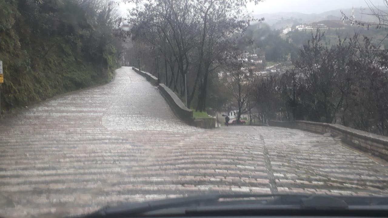 Moti sot ne Gjirokaster, shiu filloi perseri...