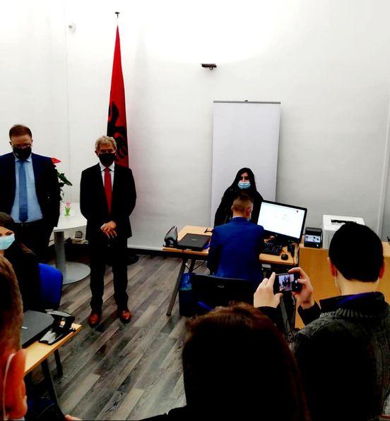Njoftim per nisjen e aplikimit per dokumente biometrike ne dy zyra te konsullates shqiptare ne Bari, Itali dhe Stamboll, Turqi