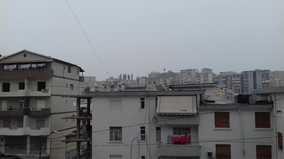 4 janar2019 mengjesi me bore ne Gjirokaster, ndersa mengjesin e sotem...!