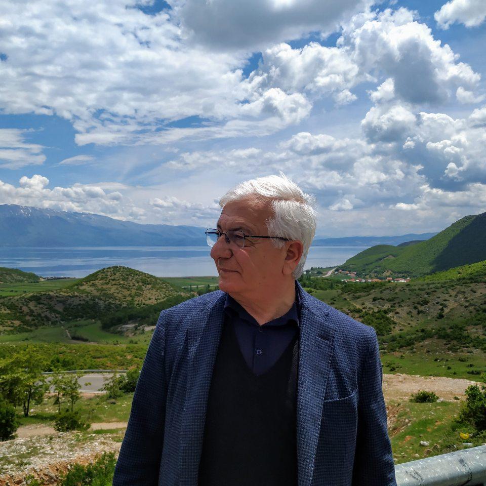Sot urojmë për Ditëlindjen Prof. Ymer Çirakun