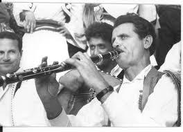 Kujtojme Laver Bariun, mjeshtrin e madh te klarinetes!