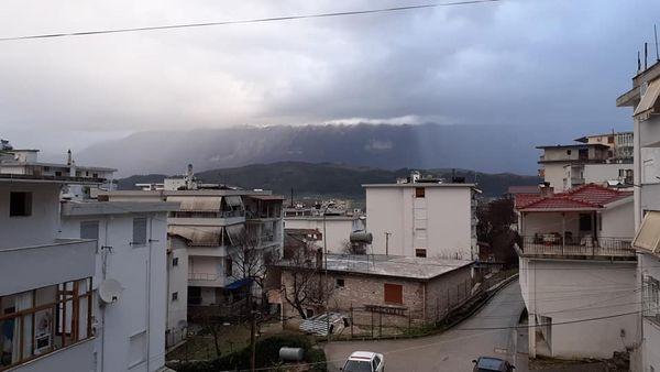 Ne Gjirokaster, shkurti me shira dhe te papritura...