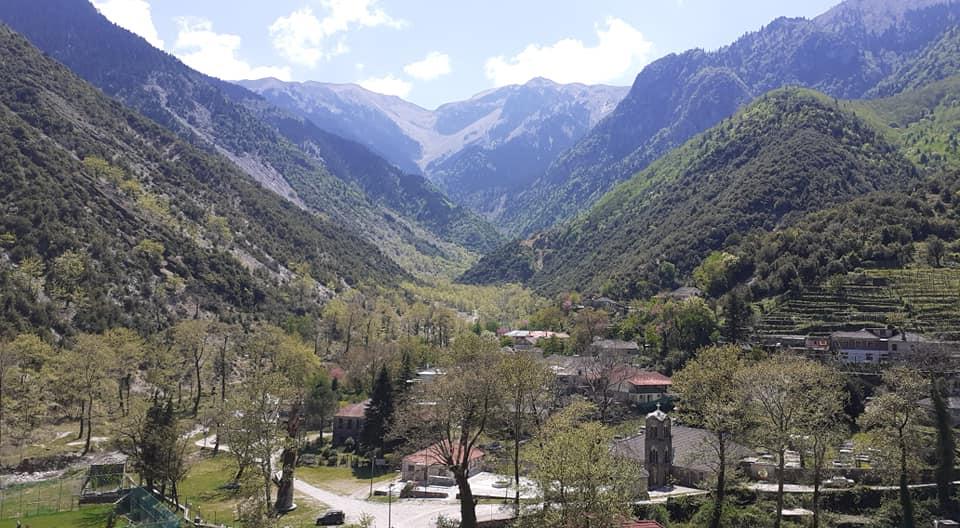 Keto dite pranvere fshati Sotirë ne Dropullin e Sipërm i stolisur si ne dite feste