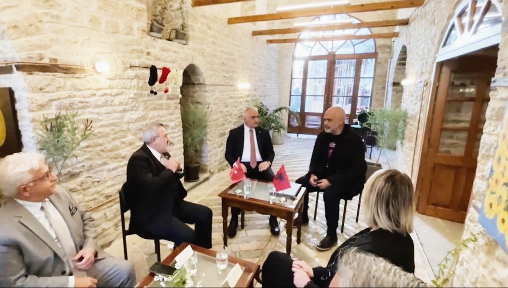 Restaurimi i shtepive karakteristike ne Gjirokaster e Berat, nenshkruhet projekti i perbashket me Turqine
