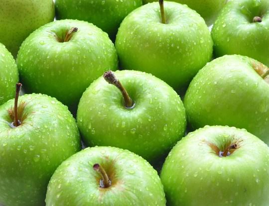 Perse duhet ta hame mollen jeshile me lekure?