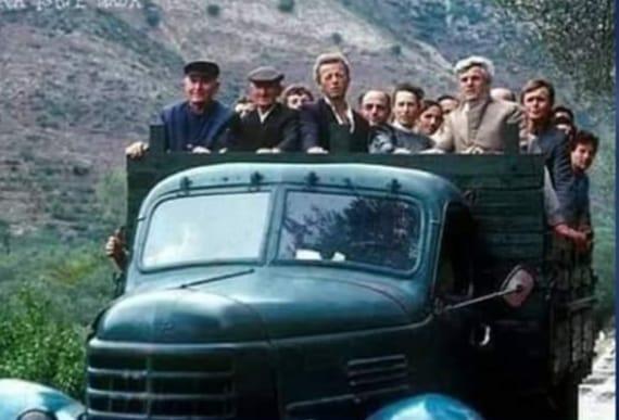 Si i kujtoni shoferet e vjeter te autobuseve dhe korierave?