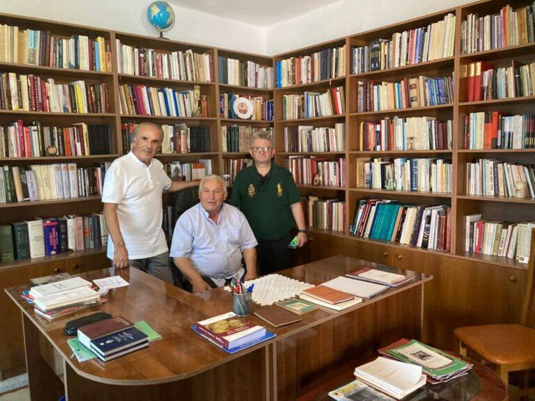 Nga Amerika me pushime në Shqipëri/ Gëzim Basha, mikpritje, takime e vizita në Shëngjin