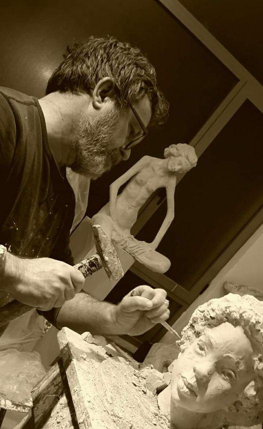 Ne kujtim dhe nderim te skulptorit te madh te Gjirokastres Arben Bajo