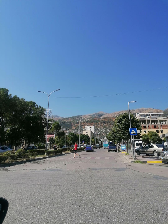 Nje shkrepje me pamje Gjirokastra nga Ura e Lumit