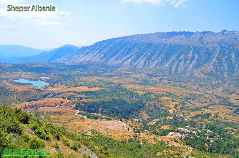 Ja si priteshin mysafiret ne krahinen e Zagorise me gliko, raki, vere dhe…