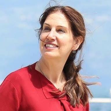 """Mirela Kumbaro:"""" Është koha të them se detyrat në qeverisje, angazhimi si deputete në Qarkun e Gjirokastrës, janë tashmë pjesë e jetës time aktive..."""""""