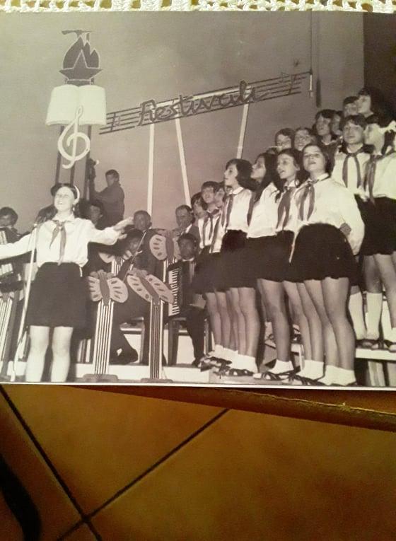 Kur kengetarja gjirokastrite Shqiponja (Aleksandra ) Tahmazi konkuronte me kengetaret Inva Mula e Irma Libohova ne festivalet e femijeve