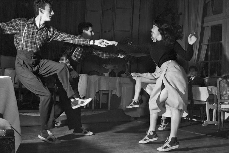 Ne mbremjet e gjimnazit ju kujtohet se cfare ndodhte ne vallzimin e fundit?