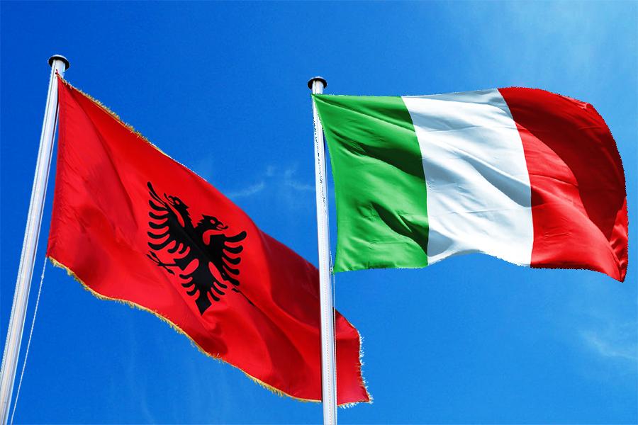 Italia mbyll kufijte me vendin tone deri ne muajin ...