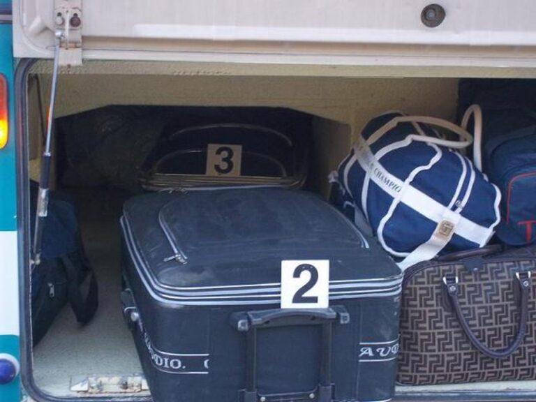 Vidhen bagazhet e autobuzit gjate rruges per Tirane! Kush duhet te mbaje pergjegjesi?!